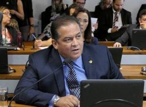 Bolsonaro diz que governo vai resolver extensão do auxílio emergencial nesta semana