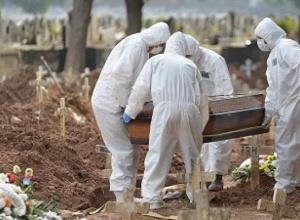 Pela primeira vez na pandemia, Brasil supera média de 3 mil mortes por dia