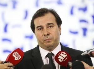 Líderes partidários negociam acordo sobre proposta que adia eleições municipais
