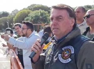 Bolsonaro: o que Barroso quer é a volta da roubalheira, da fraude eleitoral