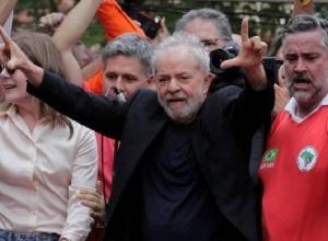 Nova pesquisa mostra que Lula vence Bolsonaro em vários cenários
