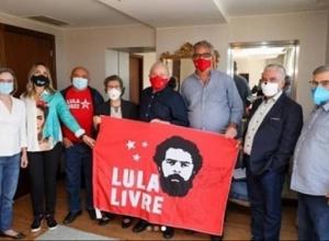 Lula volta a São Paulo preocupado com a fraqueza de Bolsonaro