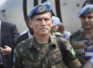 General Santos Cruz chama de 'ameaça absurda' fala de Bolsonaro contra eleição de 2022