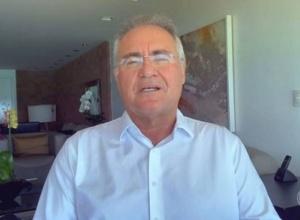 CPI vai responder quantas vidas teriam sido salvas se Bolsonaro 'tivesse acertado a mão', diz Renan