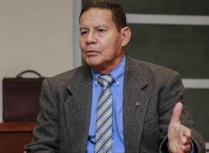 Mourão diz não acreditar em decreto de Bolsonaro contra medidas restritivas