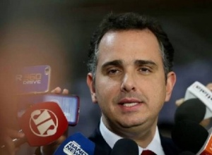 Nem Mourão, nem Lira: substituto de Bolsonaro durante possível licença deve ser Pacheco