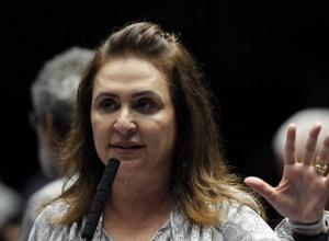 Bolsonaro ignora André Mendonça em conversa com Kátia Abreu