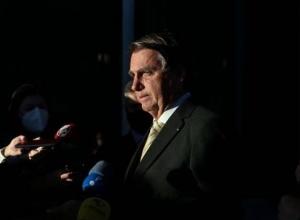 Prevaricação se aplica a servidor público, não a mim, diz Bolsonaro