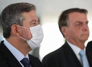 Bolsonaro liga para Arthur Lira e acena licença da Presidência, diz colunista