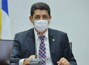 Valdemar Júnior propõem que os transportes públicos intermunicipais sejam desinfectados para conter a proliferação do novo Coronavírus.
