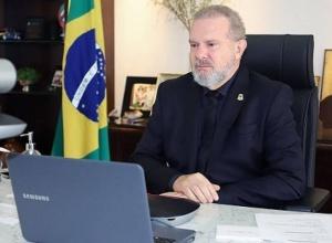 Governador Carlesse decreta ponto facultativo no dia 1° de abril e prorroga trabalho remoto e Força-Tarefa por mais 15 dias