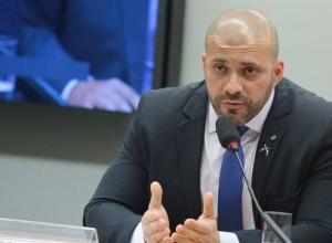 Deputado Daniel Silveira vai para prisão domiciliar