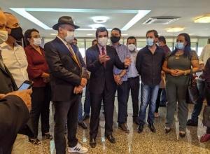 Ricardo Ayres e prefeitos vão ao Governo em busca de incentivos para os municípios tocantinenses