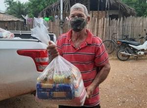 Assentados e quebradeiras de coco do extremo norte recebem alimentos do Governo do Tocantins