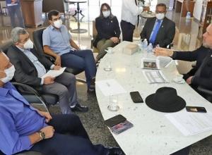 Governador Carlesse debate reestruturação do Parque Industrial de Porto Nacional com prefeito Ronivon Maciel e o presidente da Aleto, Antonio Andrade