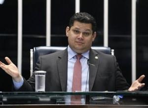 Após deixar presidência, Alcolumbre pede reembolso de R$ 513 mil ao Senado