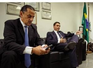 """Wassef ameaça e diz guardar a """"sete chaves"""" provas de relação com Bolsonaro """"que ninguém nem sonha"""""""