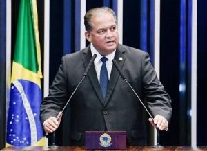 Bolsonaro pretende recriar Planejamento e nomear senador governista após desgaste com Guedes