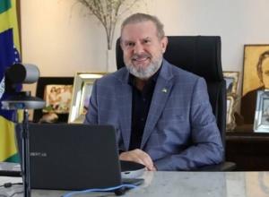 Visando pagar data-base aos servidores, Governador Carlesse consulta TCE