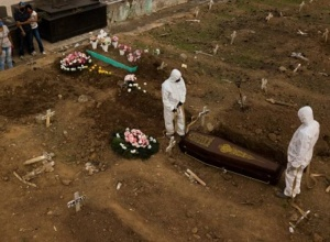 Brasil registra 3.462 mortes por covid-19 nas últimas 24h e média móvel se mantém acima dos 3 mil