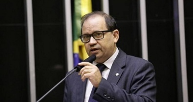 Eli Borges apresenta projeto que limita obstrução parlamentar