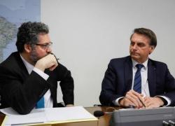 Quem demite ministro sou eu, diz Bolsonaro sobre suposta pressão da China pela demissão de Ernesto Araújo