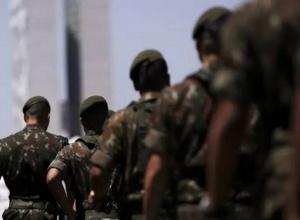 Entenda a PEC que pode barrar militares em cargos do governo