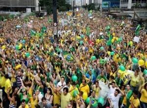 Pesquisa: Bolsonaro mantém vantagem para 2022