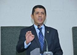 Valdemar requer novo prédio para Hospital Regional de Porto Nacional