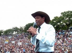 Justiça decreta penhora de R$17,5 mil nas contas do pastor Valdemiro Santiago