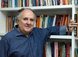 """Cristovam Buarque: """"Espantos brasileiros"""""""