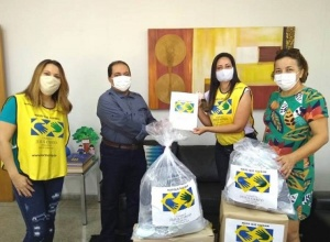 Governo do Tocantins recebe doação de 1.200 máscaras de projeto social