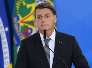 Grupo de notáveis recorre ao STF pedindo interdição de Bolsonaro
