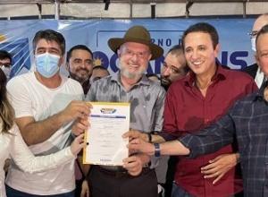 Governador Carlesse assina contratos e reafirma que programa Tocando em Frente vai gerar mais de 100 mil empregos