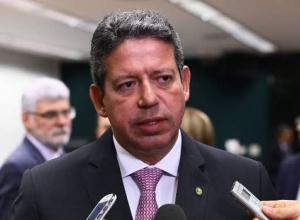 STF forma maioria para manter processo contra Arthur Lira