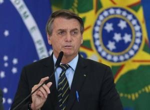 Bolsonaro sanciona lei que deixa gastos emergenciais de fora do teto