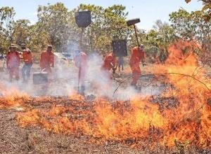 Presidente Bolsonaro atende solicitação do governador Carlesse e autoriza o emprego das Forças Armadas para combate de incêndios florestais