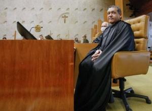 Nunes Marques vai relatar ação que pede impeachment de Alexandre de Moraes