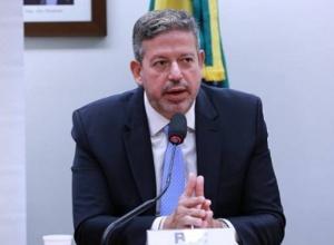 Estados e municípios querem derrubar proposta de Lira sobre ICMS para reduzir gasolina