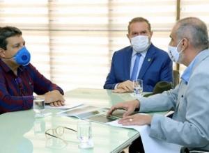 Governador Carlesse recebe deputado Osires Damaso e confirma implantação de leitos de UTI Covid em Paraíso