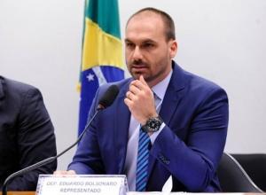 Abstinência de corrupção a faz ter devaneios, diz Eduardo sobre Gleisi