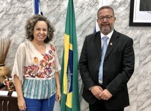 Secretário Tom Lyra recebe prefeita eleita de Gurupi, Josi Nunes